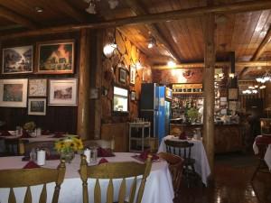 Kinniwabi Pines Restaurant in Wawa
